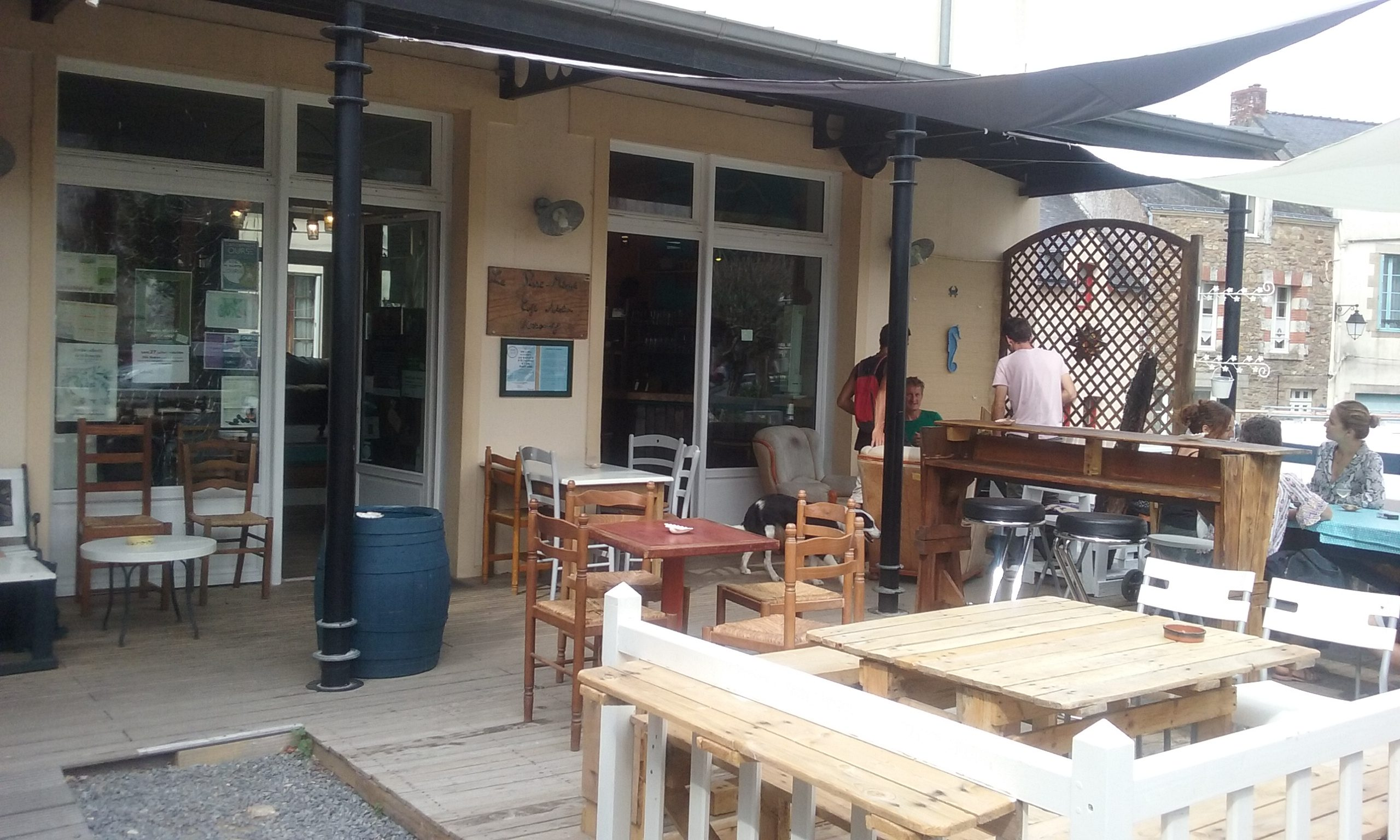 Tiers-lieux, café associatif, le Pisse-mémé